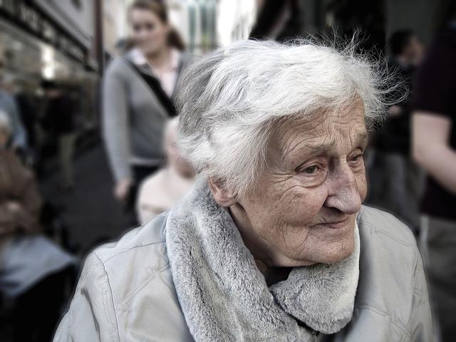 お年寄り1000人に聞いた「後悔しない人生を送る知恵」とは?
