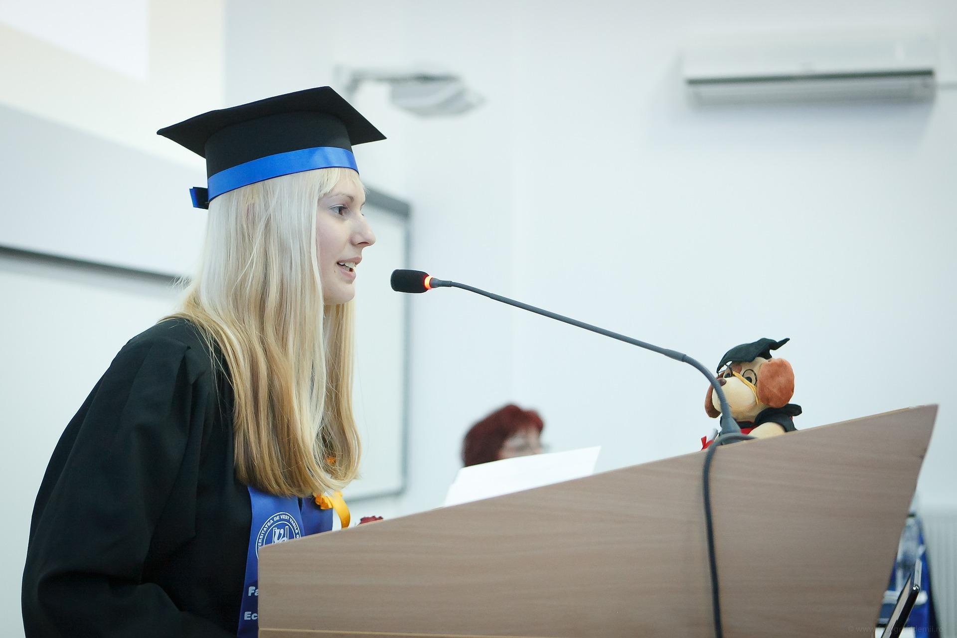 世界を変えた偉人12人の卒業式スピーチ超要約。